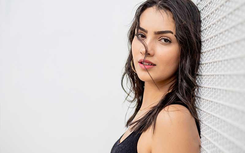 Cómo debemos arreglarnos el cabello para lucir un rostro más perfilado